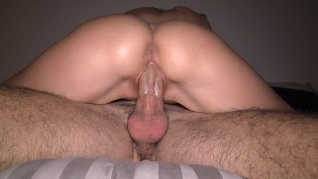 Села мокрой писькой на член мужа порно