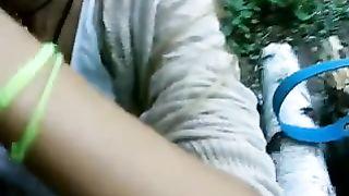 Худая русская девушка насасывает член сына начальника лесоповала в сибири