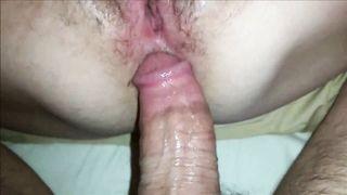 Муж накончал полную жопу спермы после жесткой анальной ебли с женой