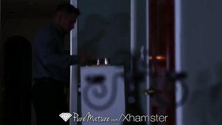 Романтическая порка при свечах с феникс мари и качком из малибу