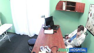 Хирург отимел на столе медсестричку, расслабившись перед операцией