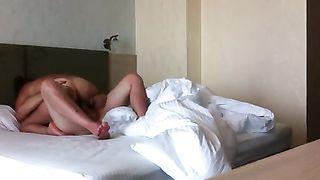 Русский байкер очень больно фистит вульву любовницы в отеле таллина