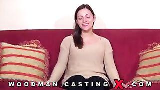 Alyssa reece дает интервью и снимает одежду перед пьером